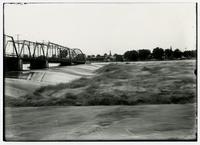 Bridge and dam, looking north (1908 Flood)